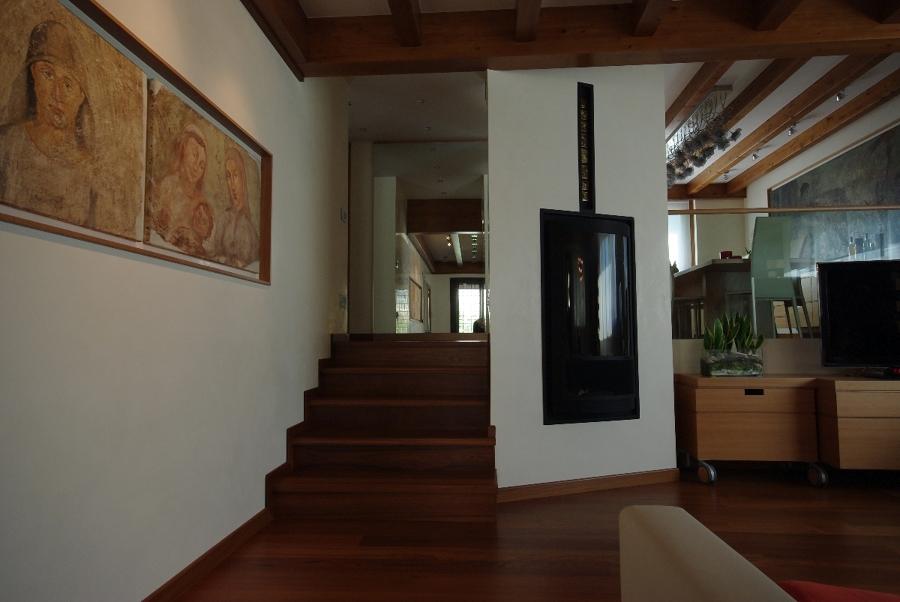 Foto ristrutturazione di villa unifamiliare con for Foto arredi interni