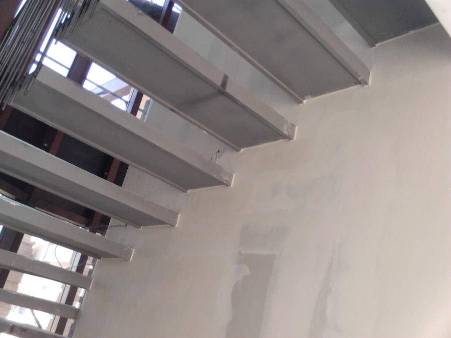 Foto rivestimento scala in cartongesso di giovanni for Rivestimento scale in resina prezzi