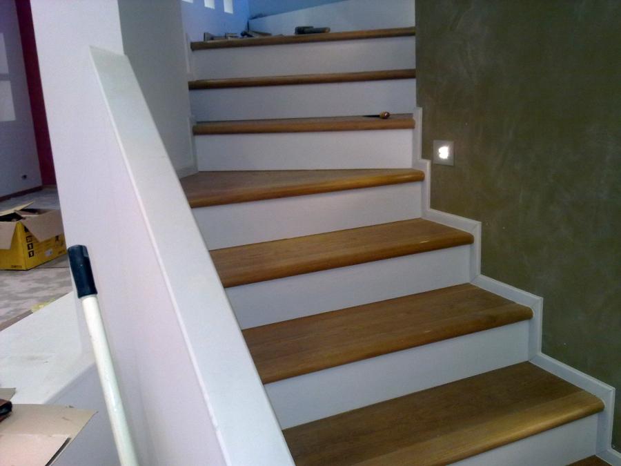 Foto rivestimento scale di ditta paolo giuliano pavimenti in legno parquet 94774 habitissimo - Rivestimento in legno per scale ...