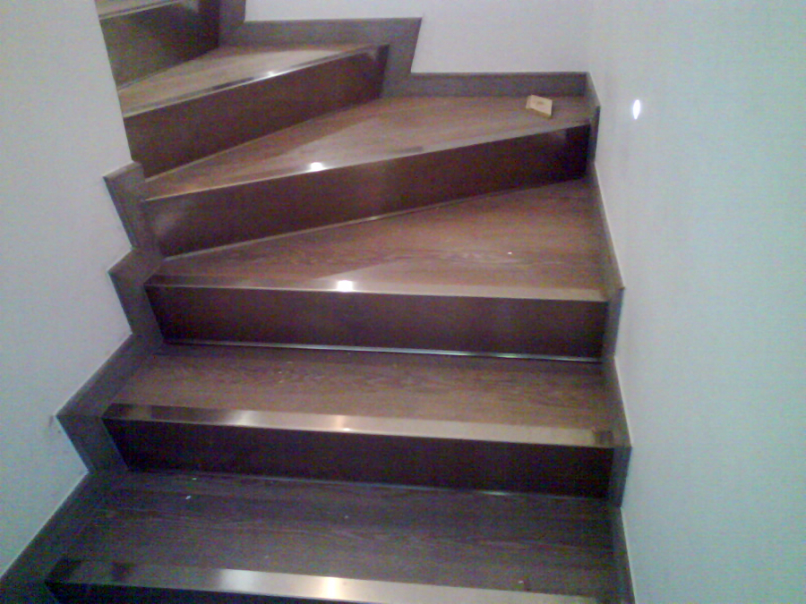 Foto rivestimento scale di ditta paolo giuliano pavimenti in legno parquet 94783 habitissimo - Rivestimento in legno per scale ...