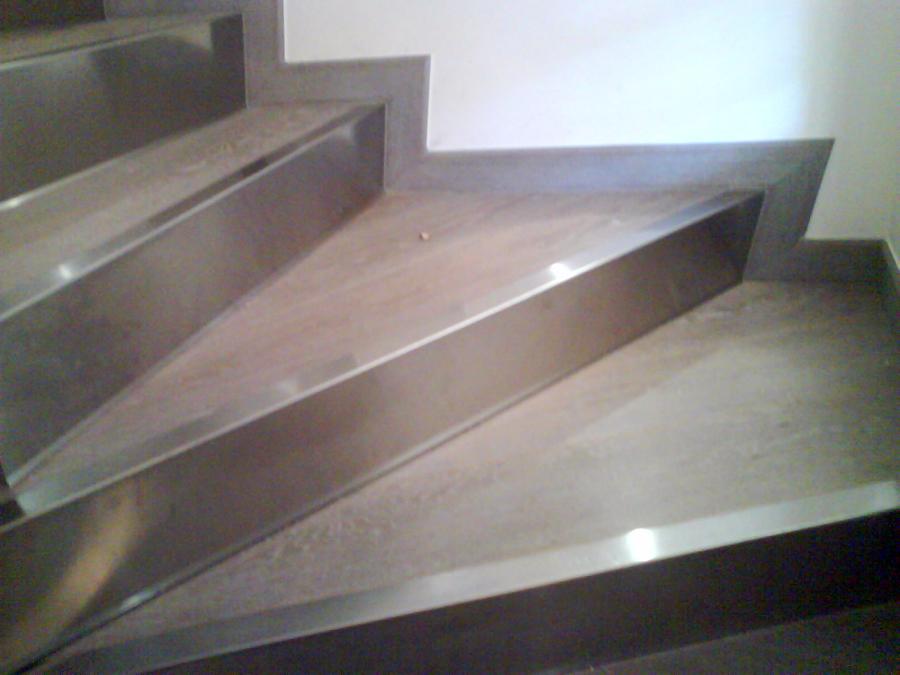 Foto rivestimento scale di ditta paolo giuliano pavimenti in legno parquet 94784 habitissimo - Rivestimento in legno per scale ...