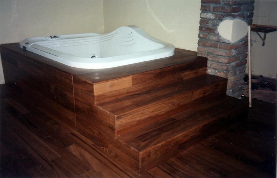 Foto rivestimento vasca da bagno di falegnameria silvestre di sorrenti roberto 62044 habitissimo - Rivestimento bagno legno ...