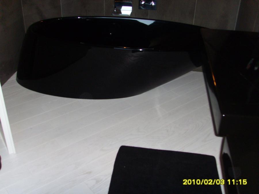 Bagno resina nero lavandino bagno sospeso arredo bagno - Lavandino bagno nero ...
