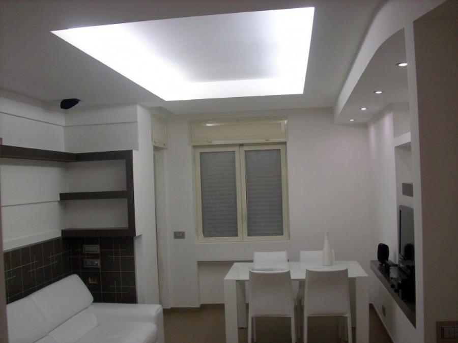 Foto: Salone In Cartongesso Stilizzato e Scalinato. di Color Restyling Di Tro...