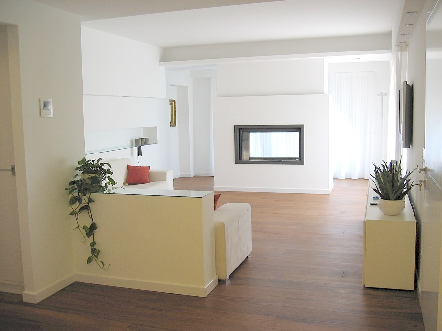 Foto salotto con camino di ecogess 48821 habitissimo for Foto salotto