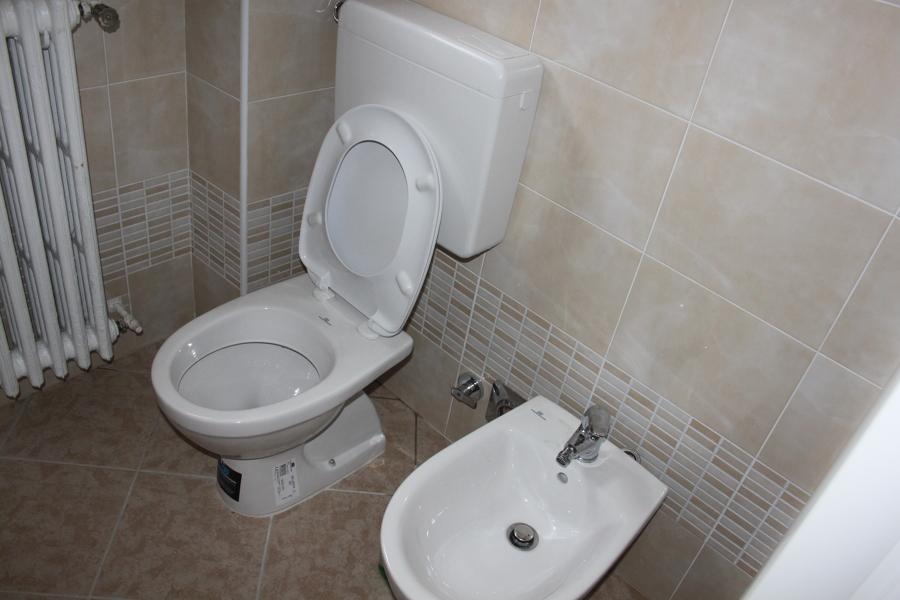 Foto sanitari dolomite di ristrutturazioni mario 210568 - Sanitari per bagno prezzi ...