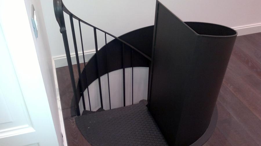 Foto scala a chiocciola per interno di progetto ferro 106540 habitissimo - Scale a chiocciola foto ...