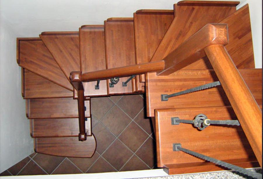 Foto scala a giorno in legno massello di artiscala 94036 - Foto scale in legno ...