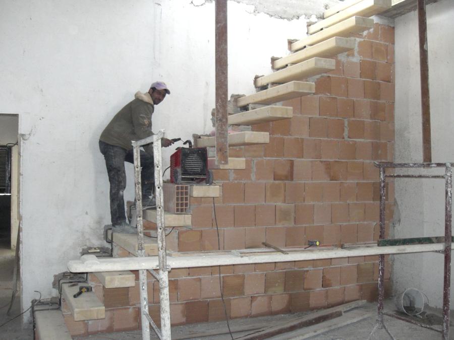 Foto: Scala a Mensola di Castaldo Costruzioni Srl #232555 - Habitissimo