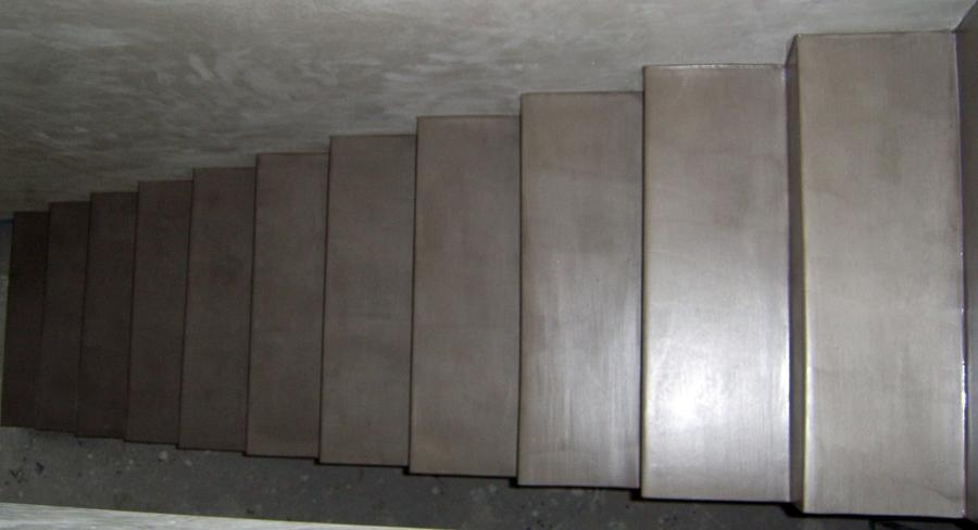 scala rivestita in resina