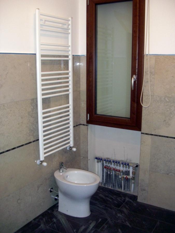 foto scaldasalviette bagno di ecotecnica cagliari 91961