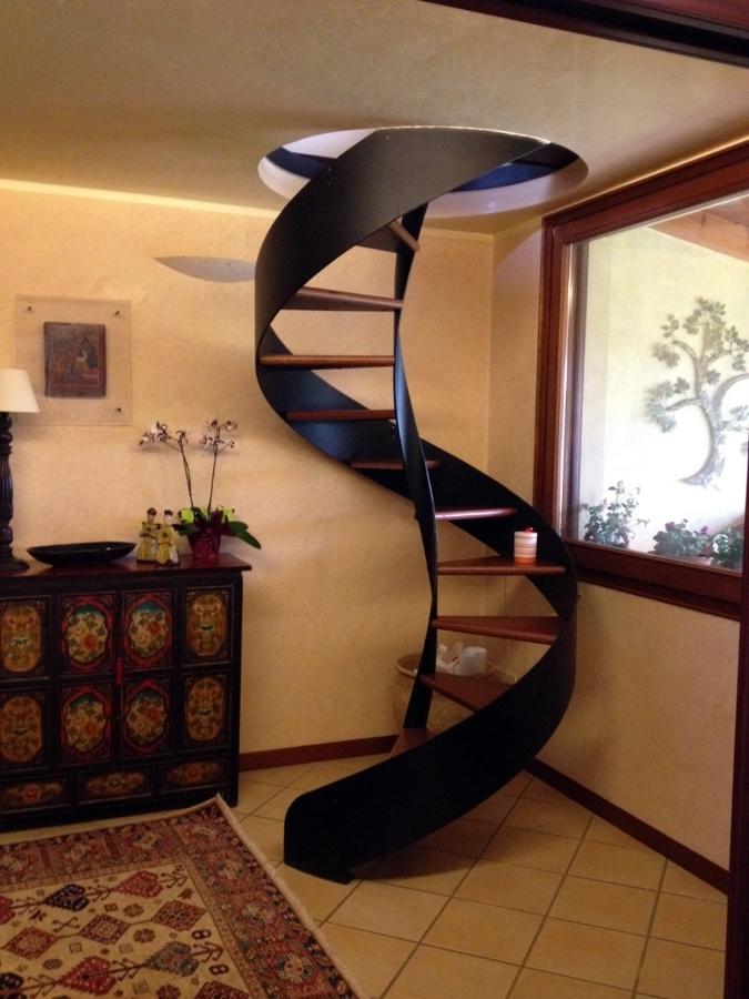 Foto scale interne di fimetek srl 59232 habitissimo - Immagini di scale interne ...
