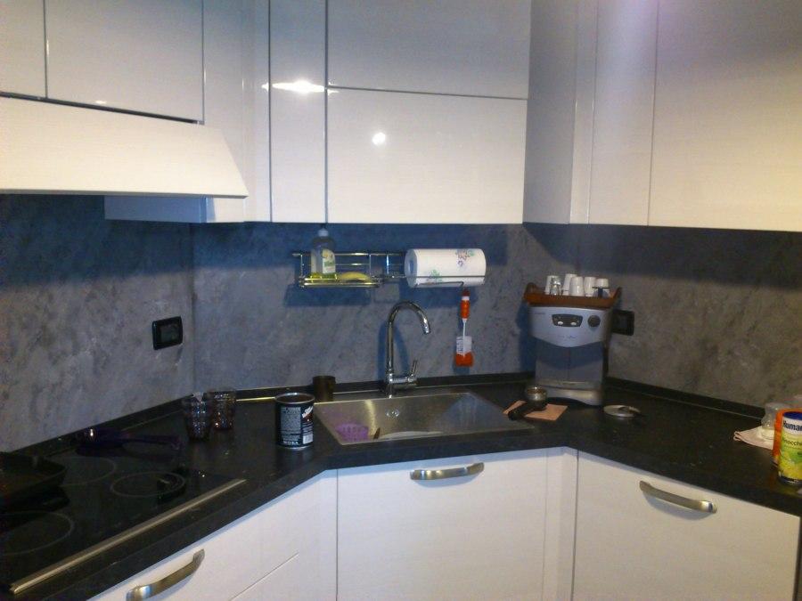 Foto schienale cucina di fantacolor 195737 habitissimo - Sonicatore cucina a cosa serve ...