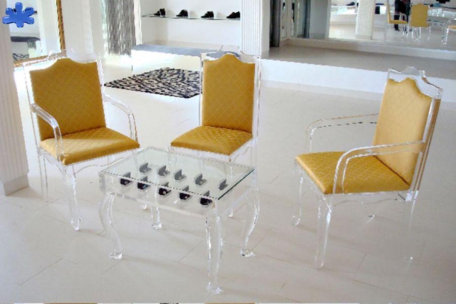 Foto sedie in plexiglas trasparente di eldorado for Sedie in plexiglass