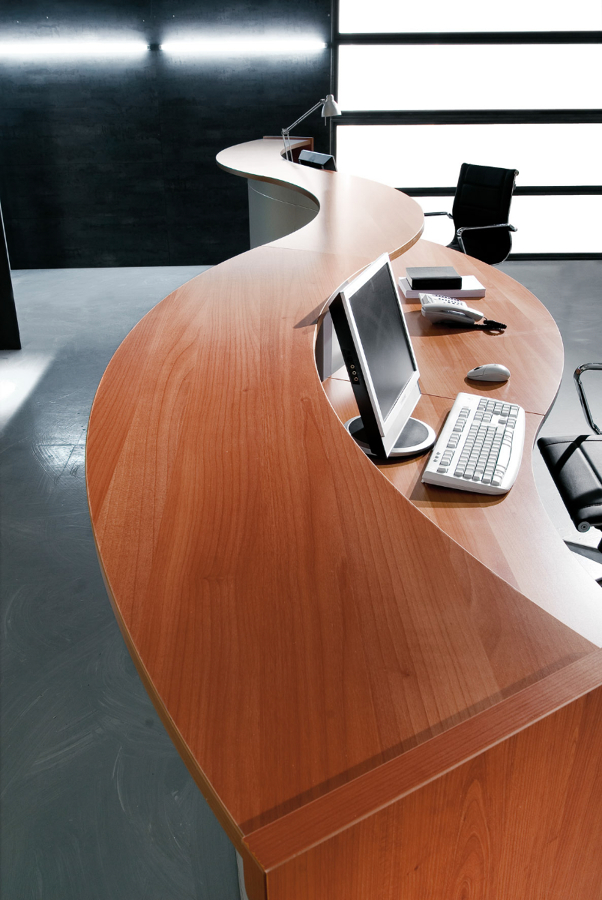 Foto serie reception marca flycom di ditta armando for Ingrosso mobili trento