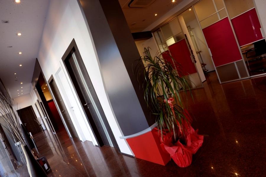 Foto show room nusco di nusco porte 43799 habitissimo - Nusco porte milano ...