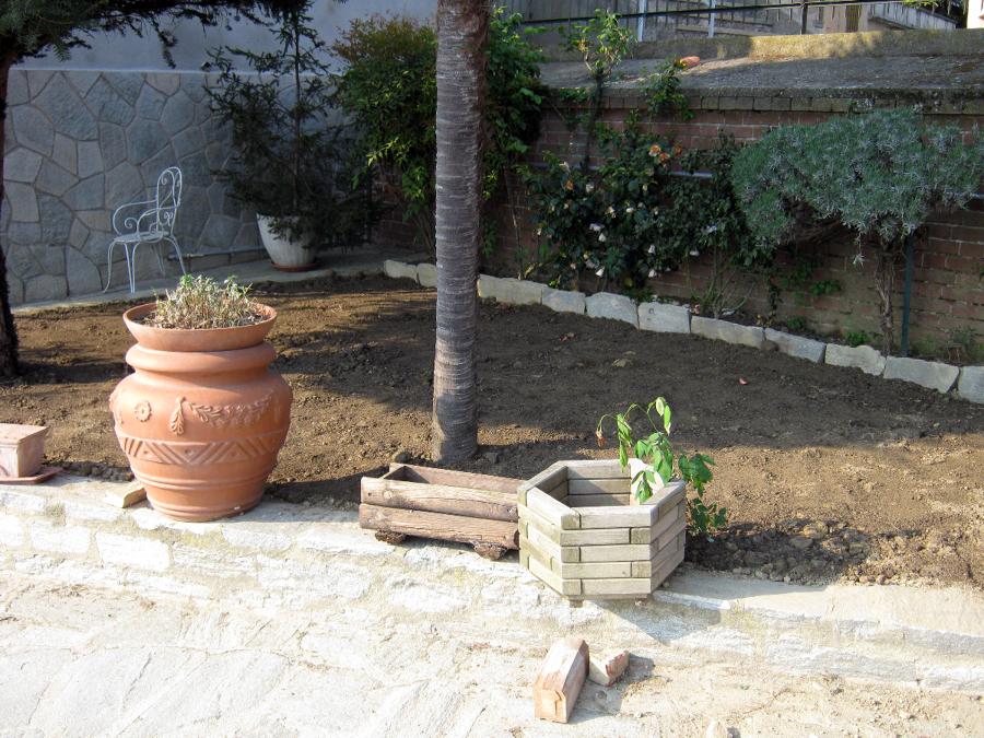 Foto sistemazione giardino posa prato de artigianlavoro - Sistemazione giardino ...