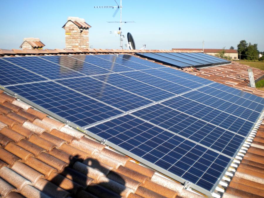 Foto solare termico di lario energy srl 97517 habitissimo for Immagini pannello solare