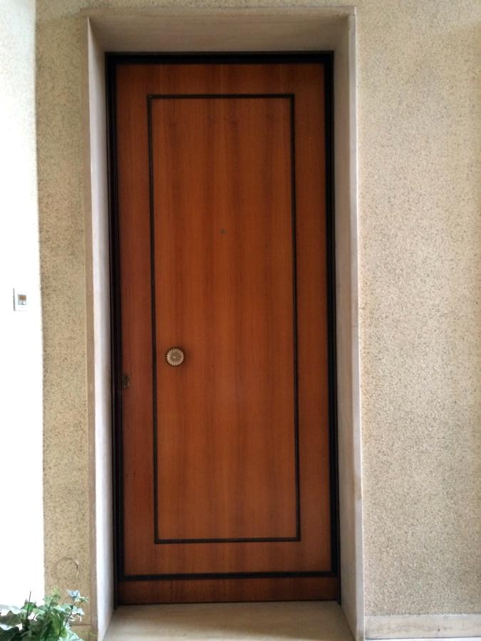 Sostituzione porta d'ingresso