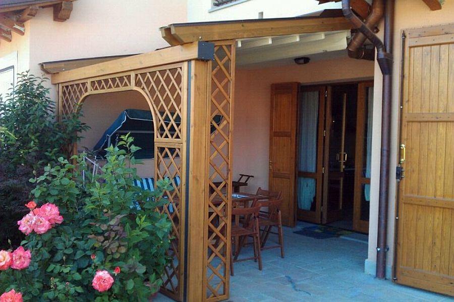 Struttura COUNTRY MED ELITE di legno e alluminio con tenda ad impacchettamento BY GIBUS