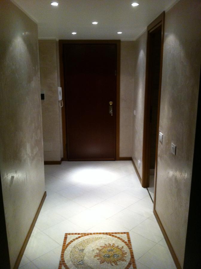 Foto stucco veneziano con soffitto in smalto all 39 acqua di a s g di sole antonio 81117 - Stucco veneziano in bagno ...