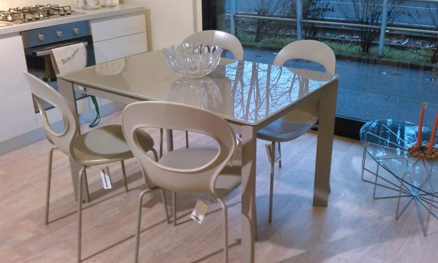 Foto tavolo e sedie bontempi di falar arredamenti 269995 for Bontempi arredamenti