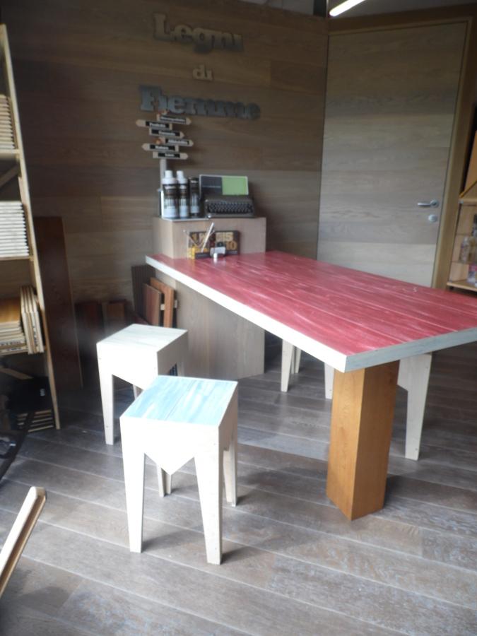 foto tavolo e sgabelli di sergio daldosso pavimenti in