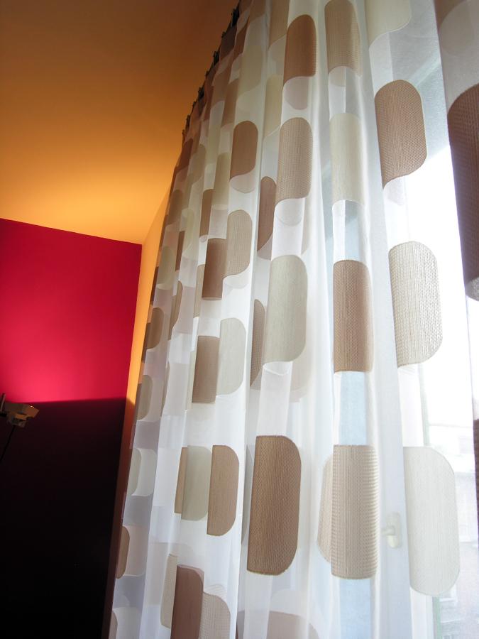 Foto tenda moderna di casa del tendaggio di barale sara e for Casa moderna tende