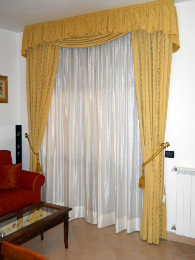 Mantovane per bagno con bastone ispirazione interior for Interior design di bungalow artigiano