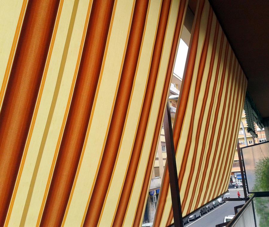 Foto tende a caduta de tappezzeria lo russo 110583 for Tende color marrone