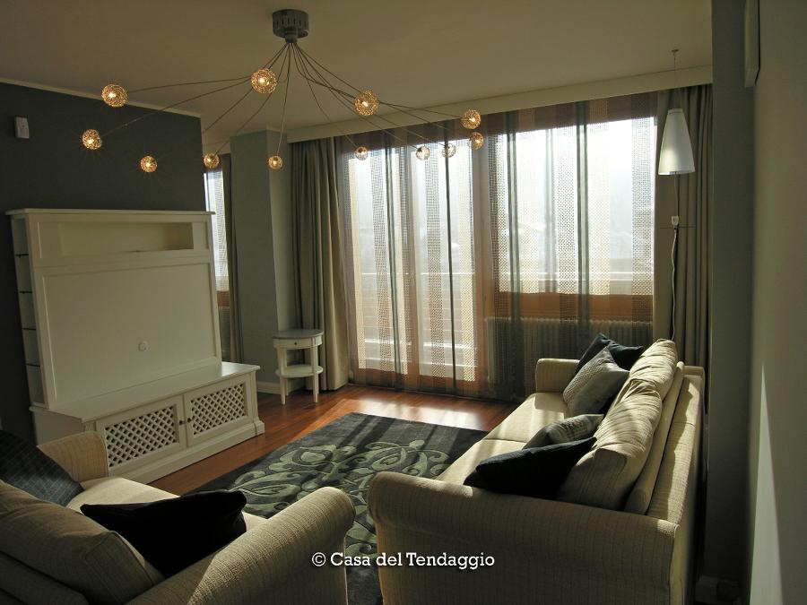 Foto tende a pannelli moderne di casa del tendaggio di - Tende foto casa ...