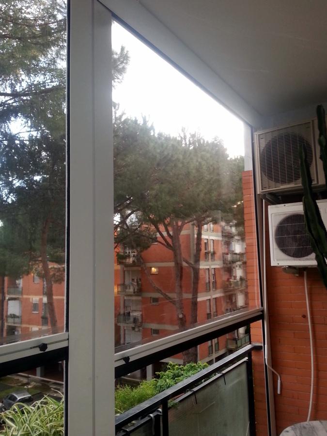 Foto: Tende Antipioggia In PVC Trasparente con Guide ...