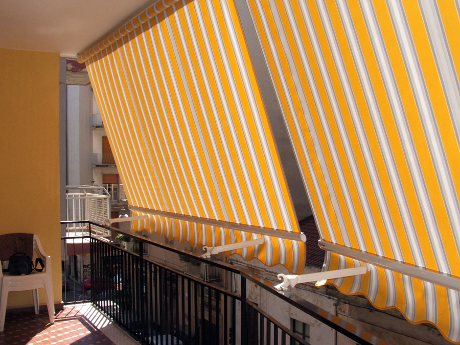 Foto tende con braccetti de creazioni tenda 118366 - Tende da sole per balconi ikea ...