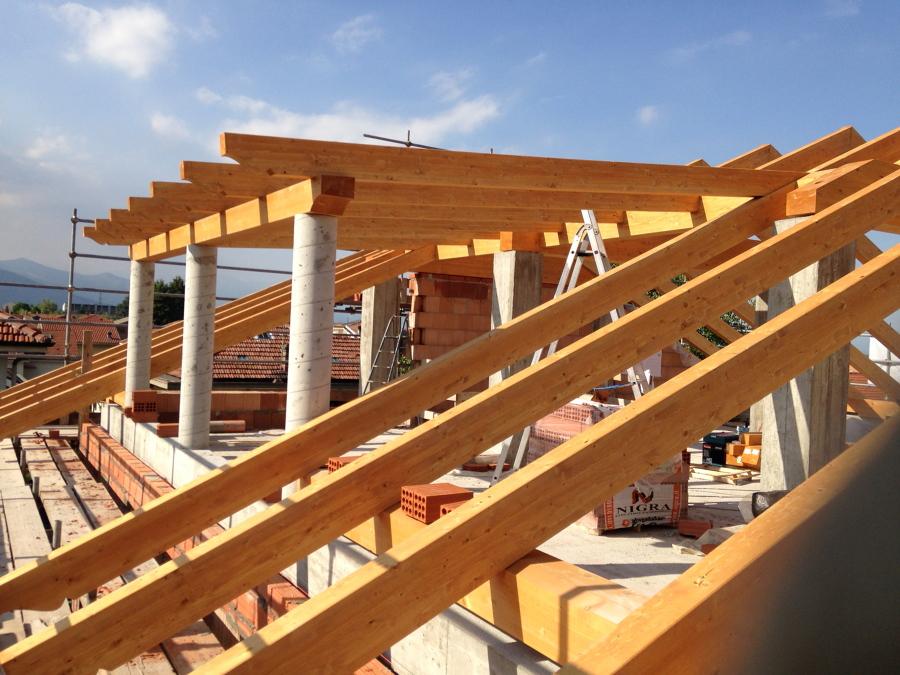 Foto tetto di layer costruzioni 249790 habitissimo for Abbaino tetto prezzi