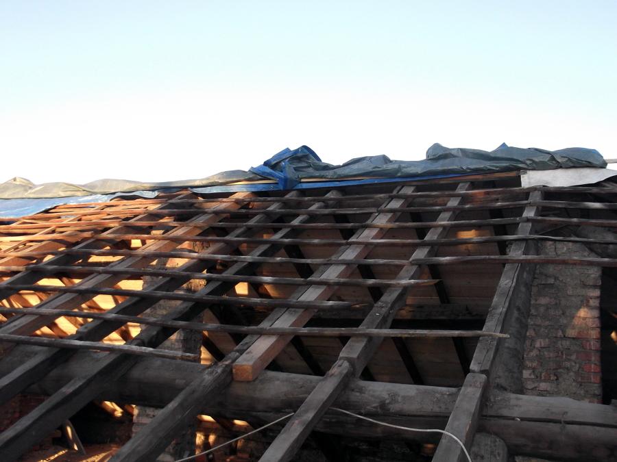Foto tetto usmate 250mq de fd ristrutturazioni srl 52642 for Stili tetto tetto