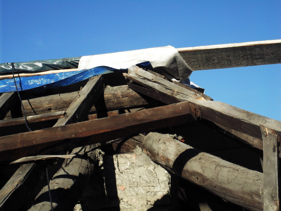 Foto tetto usmate 250mq de fd ristrutturazioni srl 52674 for Stili tetto tetto
