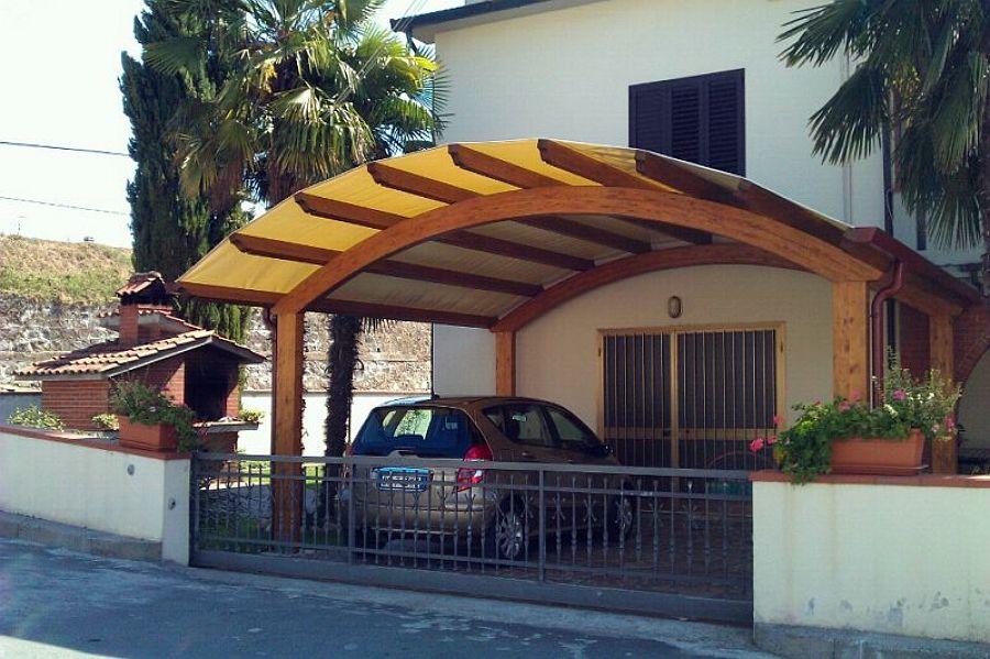 Tettoia posti auto ad arco con copertura in PVC