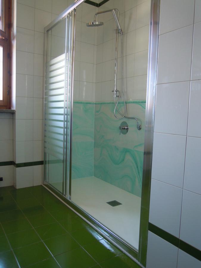 Foto trasformazione vasca da bagno in doccia di speedy vasca 225766 habitissimo - Modifica vasca da bagno in doccia ...