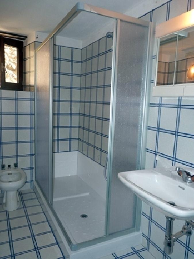 Trasformazione vasca in doccia (box in acrilico)