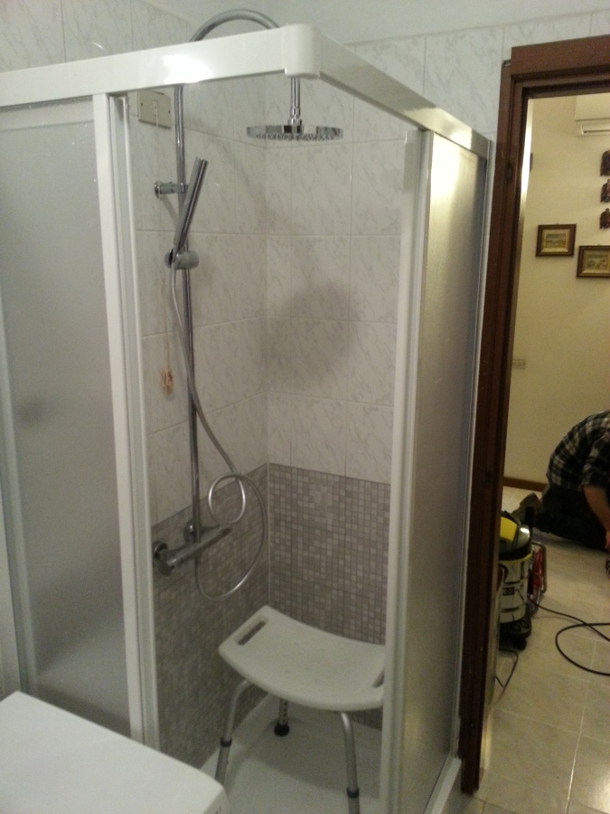 Foto trasformazione vasca in doccia con modifica per - Trasformazione vasca in doccia torino ...