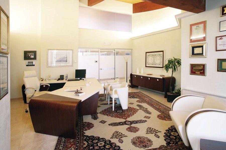 Foto ufficio direzionale de codutti 57819 habitissimo for Mobili ufficio verona