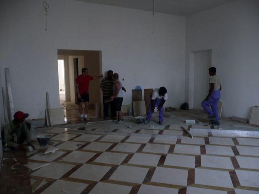 Foto ultimazione posa pavimento in marmo di italblock di tonin demis ripristino pavimenti e - Posa piastrelle pavimento ...