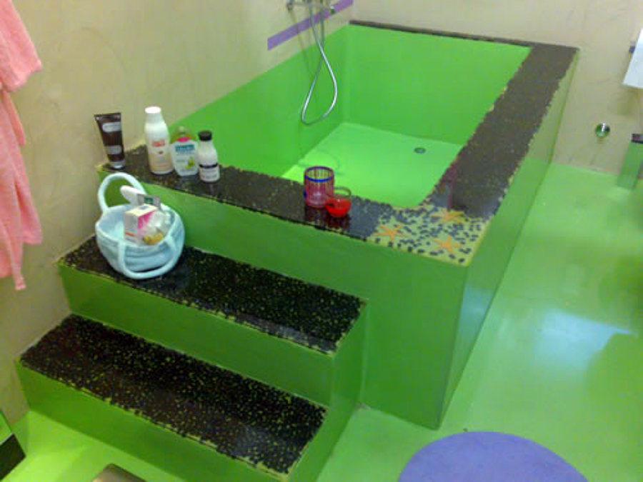 Foto vasca da bagno di m i v imbiancature e decorazioni - Vasca da bagno in cemento ...