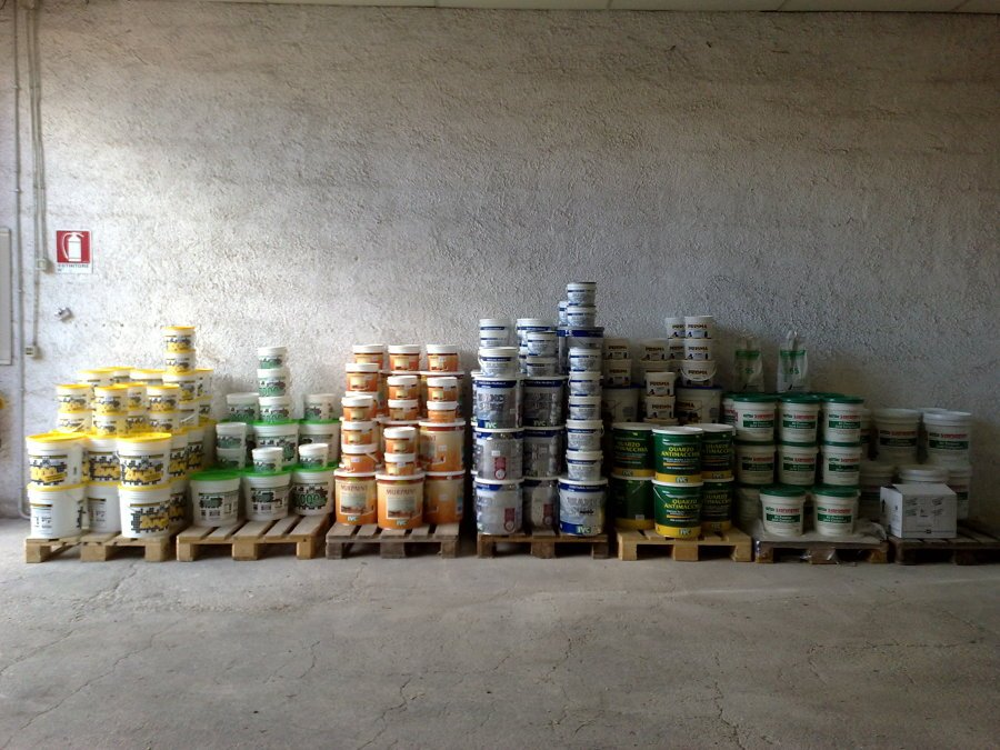 Foto vendita vernici interni esterni de essea srl 47547 for Vernici interni casa