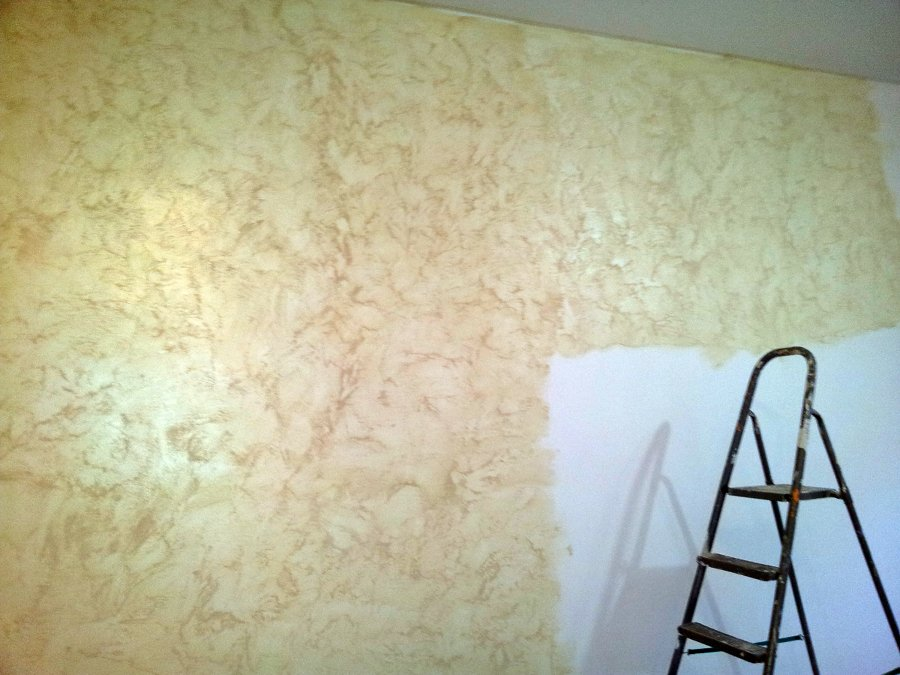 Casa moderna roma italy pittura con sabbia - Pitture decorative moderne ...