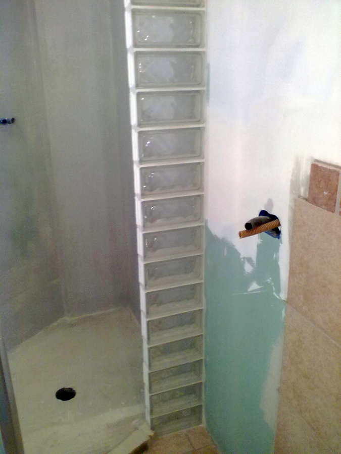 Foto vetro cemento di biolo costruzioni 51957 habitissimo - Mattoni vetrocemento per doccia ...