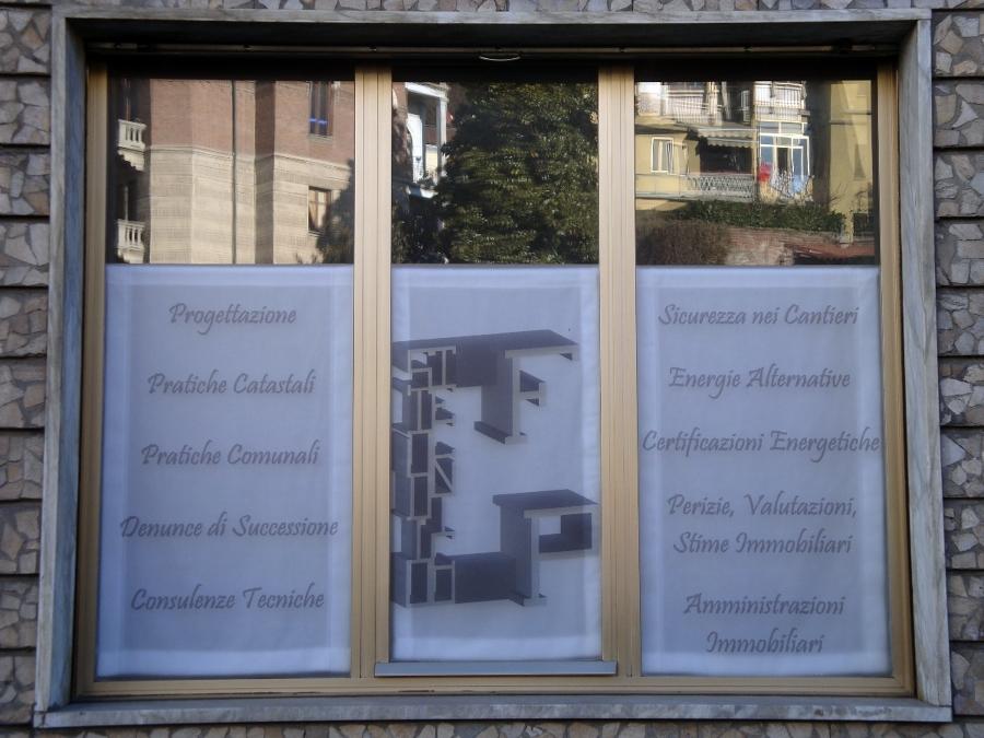VETROFANIA CON ELENCO SERVIZI OFFERTI DALLO STUDIO TECNICO PERIN geom. Fabrizio