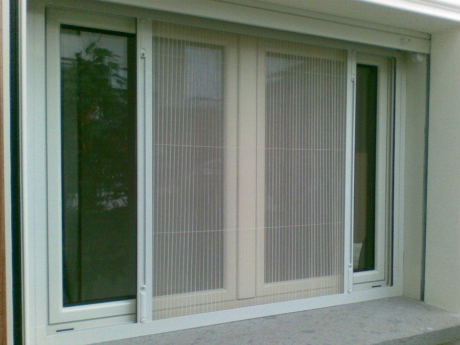 Foto zanzariera scorrevole di stile infissi srl 233097 - Tipi di zanzariere per porte finestre ...