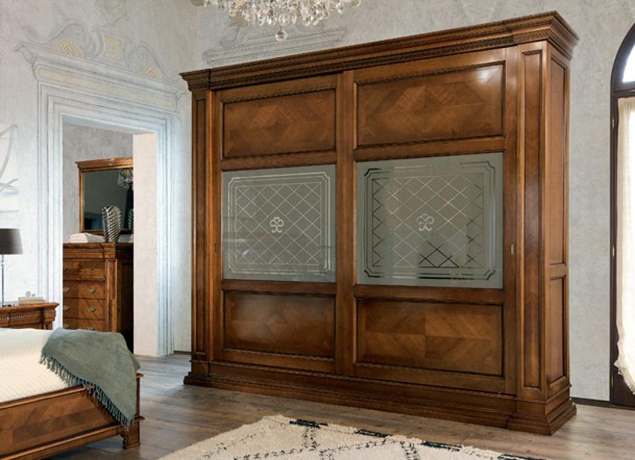 Foto zona notte classico armadio ante scorrevoli le monde for Quanto costa una casa con 4 camere da letto