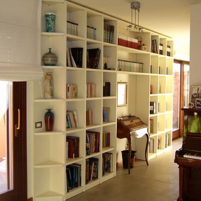 Libreria laccata su misura